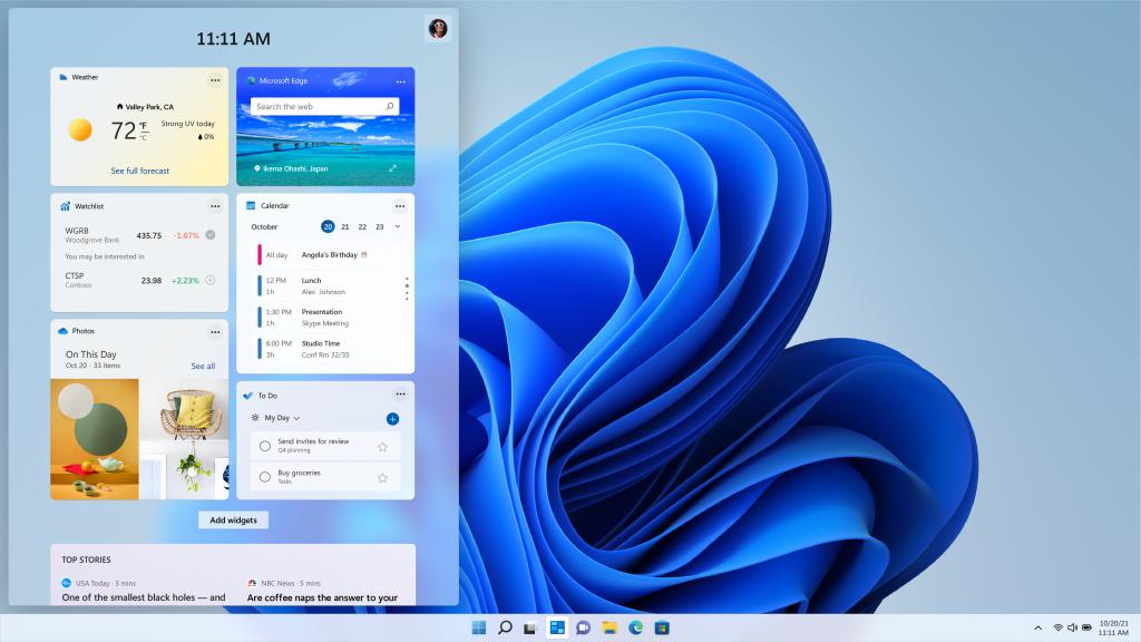 Zona de widgets de Windows 11 con tarjetas que muestra información relevante de Microsoft 365.